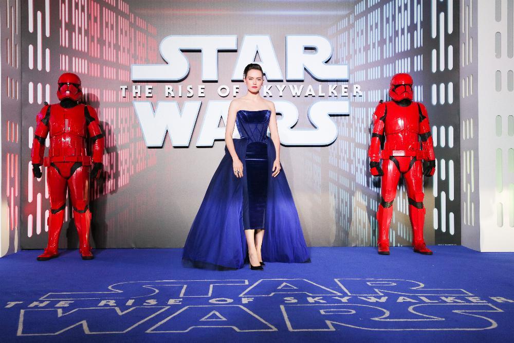 9 - Star Wars The Rise Of Skywalker - Les avants premières  London15