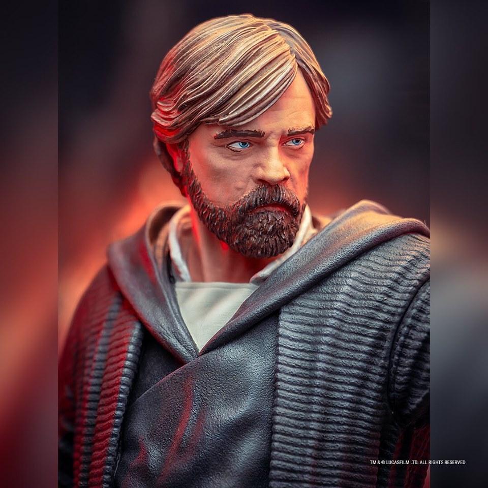 Gentle Giant - LUKE SKYWALKER - The Last Jedi 1:6 Resin Bust Luke_b21
