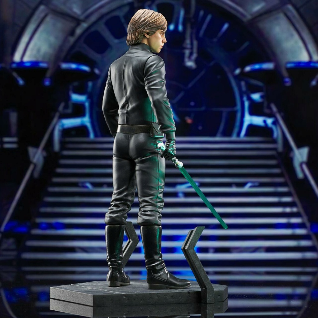 Luke Skywalker Milestone Statue - Episode VI - Gentle Giant Luke_s44