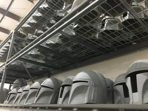 The Mandalorian Helmet - ANOVOS STAR WARS  Mandal21