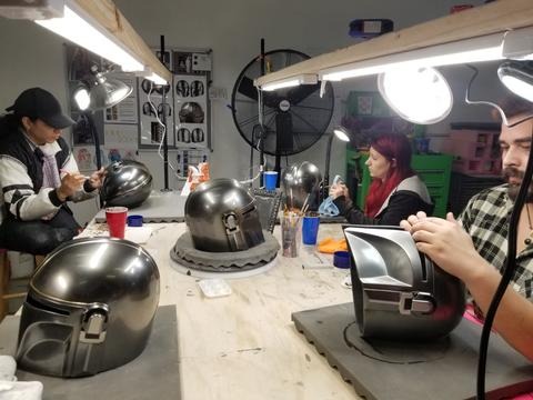 ANOVOS STAR WARS - The Mandalorian Helmet Mandal25