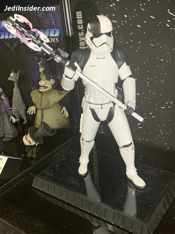 Gentle Giant - First Order Executioner 1/6th scale statue Nytf_014
