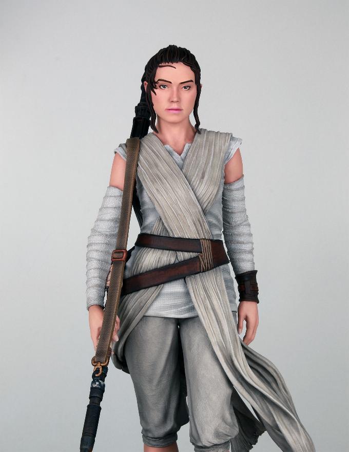 Gentle Giant - REY Star Wars The Force Awakens 1:6 Statue Rey_tf10