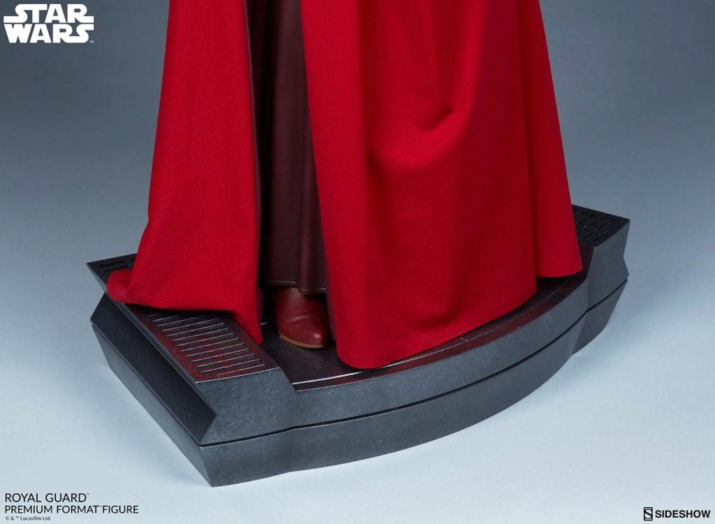 Royal Guard Premium Format Figure - Sideshow (2020) Royalg26