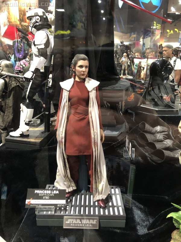Hot Toys Star Wars - Princess Leia (Bespin) Sixth Scale Fig. Sdcc2011