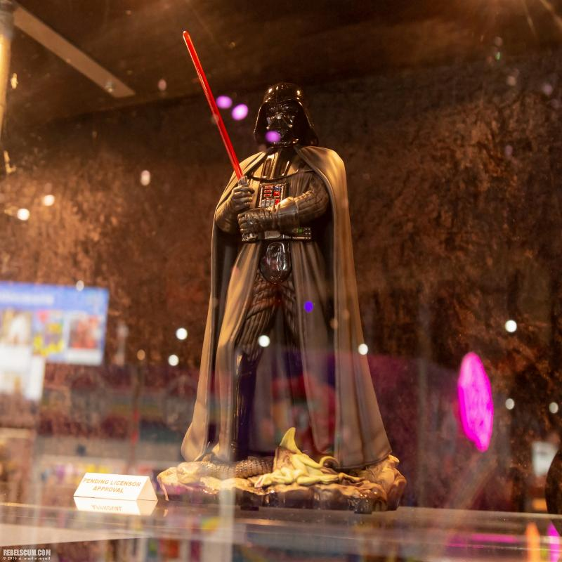 Gentle Giant - Dagobah Darth Vader Collector Gallery statue Sdcc2049
