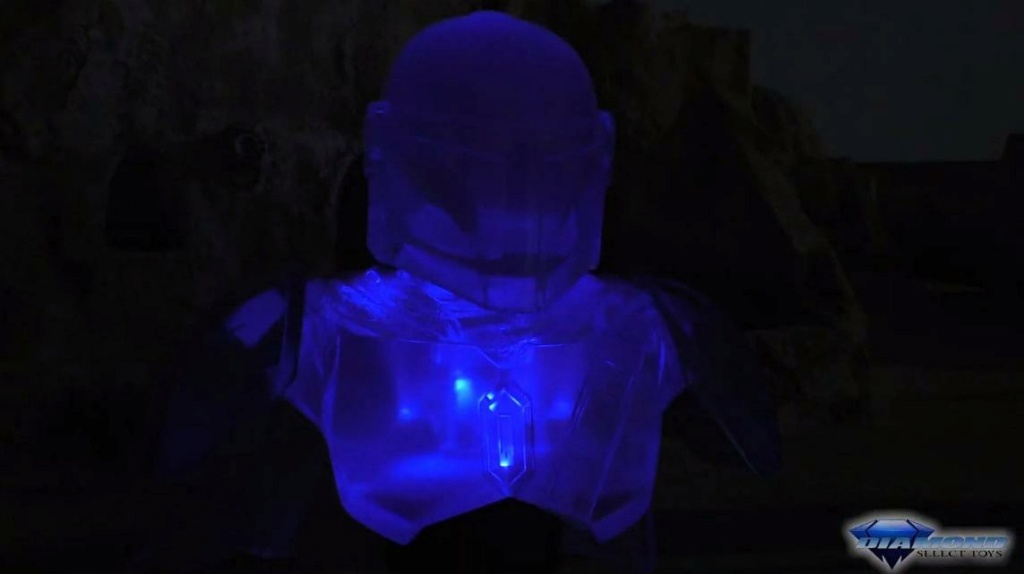 The Mandalorian hologram Legends 3D Bust - Gentle Giant Showca50