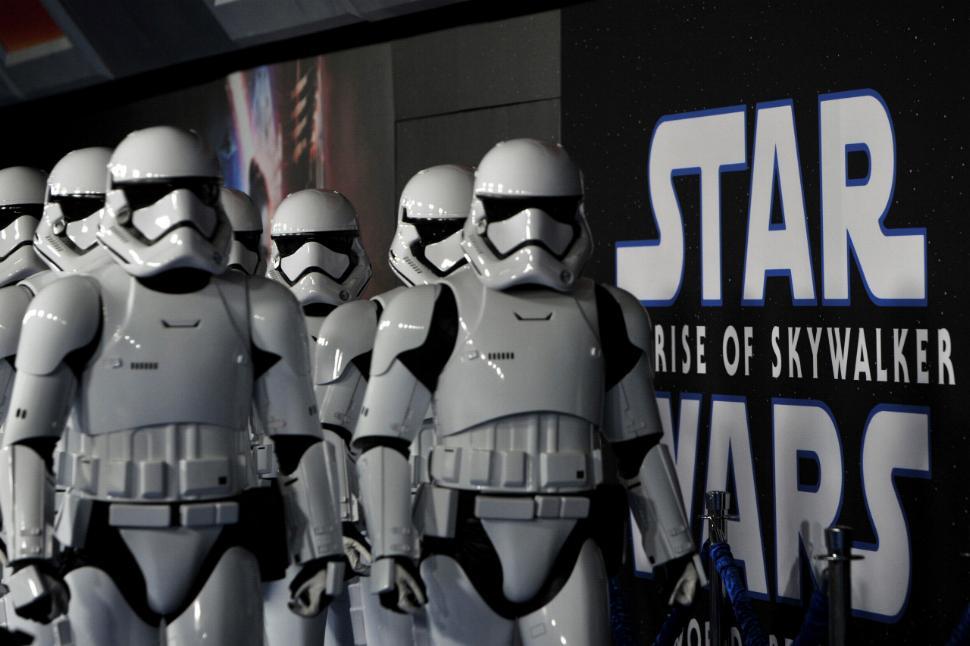 9 - Star Wars The Rise Of Skywalker - Les avants premières  Shutte12