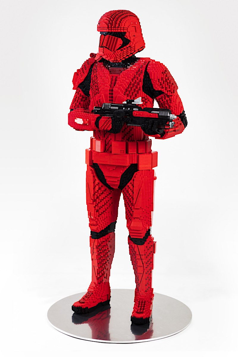 LEGO Star Wars Life Size Sith trooper Sith_t14