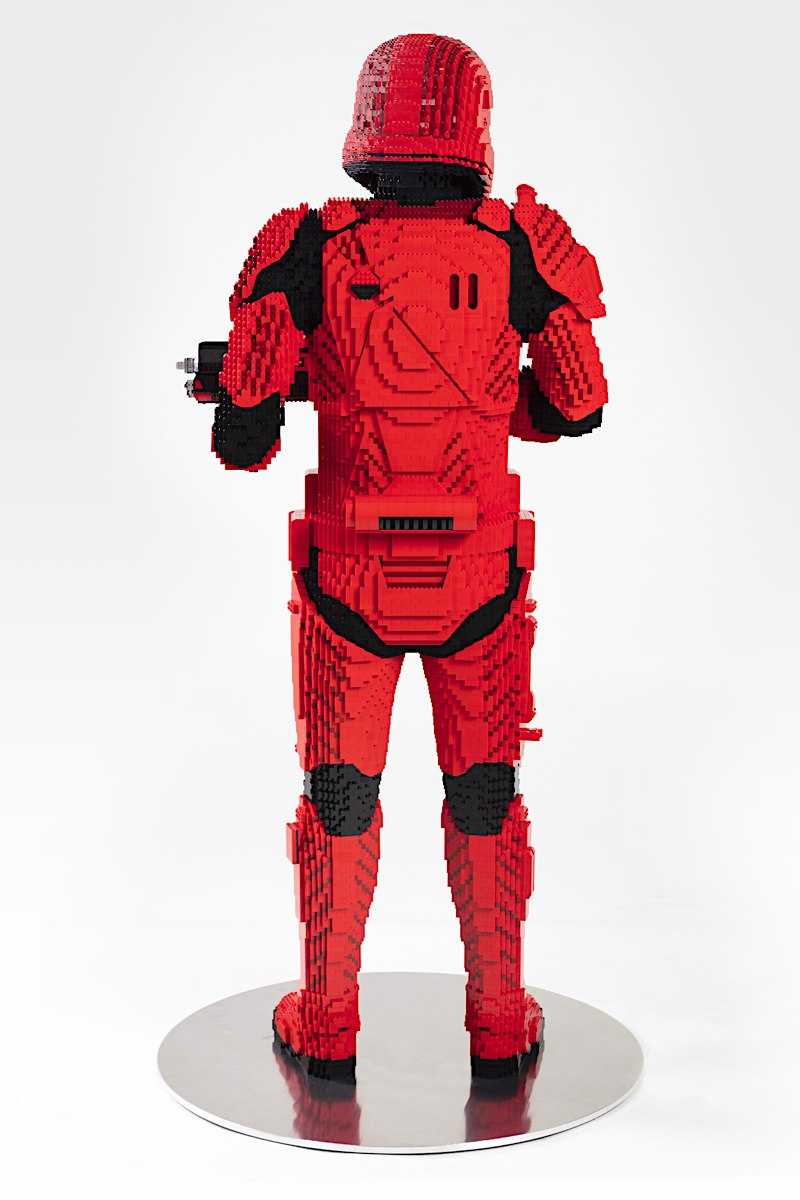 LEGO Star Wars Life Size Sith trooper Sith_t15