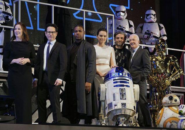 9 - Star Wars The Rise Of Skywalker - Les avants premières  Tokyo_10