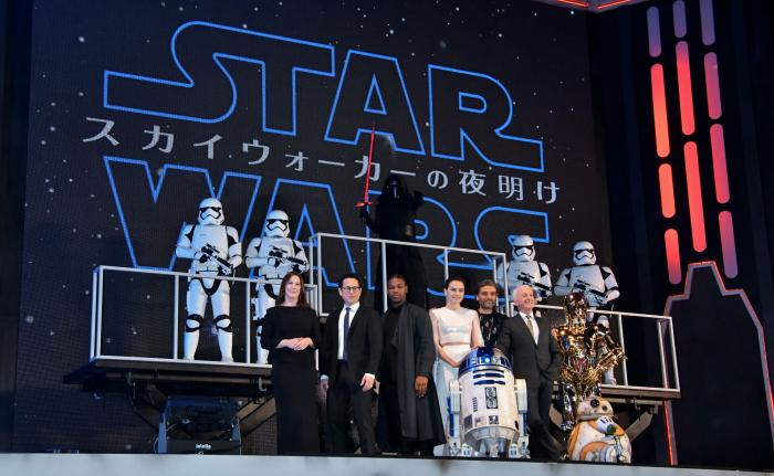 9 - Star Wars The Rise Of Skywalker - Les avants premières  Tokyo_11