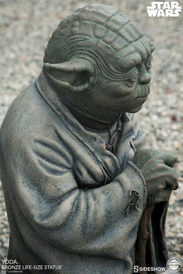 Yoda Bronze Life-Size Statue - Sideshow Collectibles  Yoda-b12