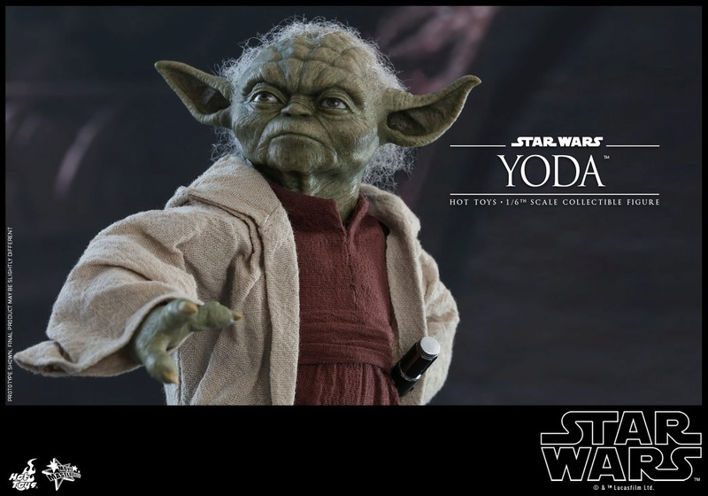 Hot Toys SW EP 2 - 1/6th scale Yoda Collectible Figure. Yoda_e22