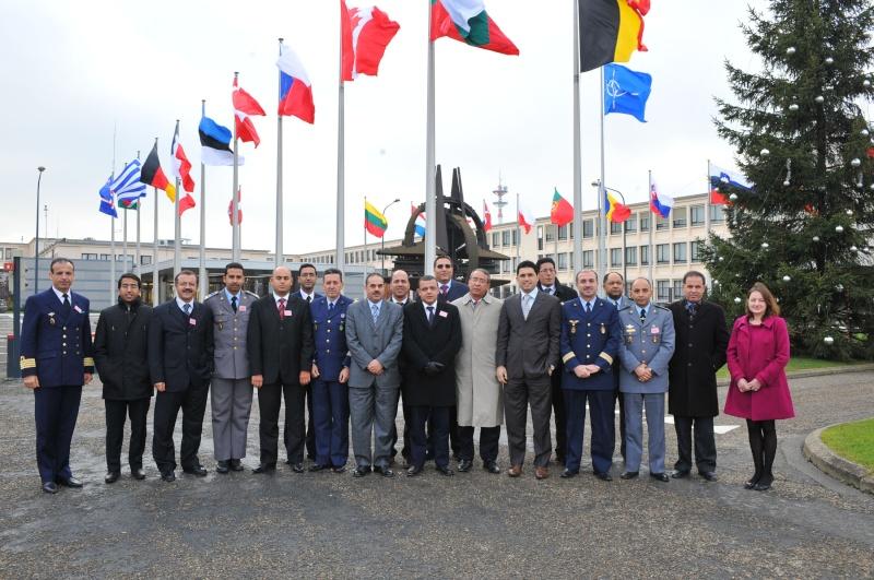 Les F.A.R et le maintien de la paix au monde - Page 3 20090511