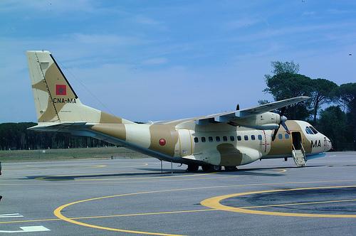 FRA: Photos d'avions de transport - Page 7 33488811