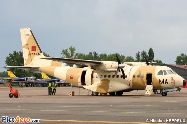 FRA: Photos d'avions de transport - Page 7 4638210