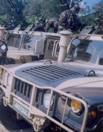 Les F.A.R et le maintien de la paix au monde - Page 3 Hummer10