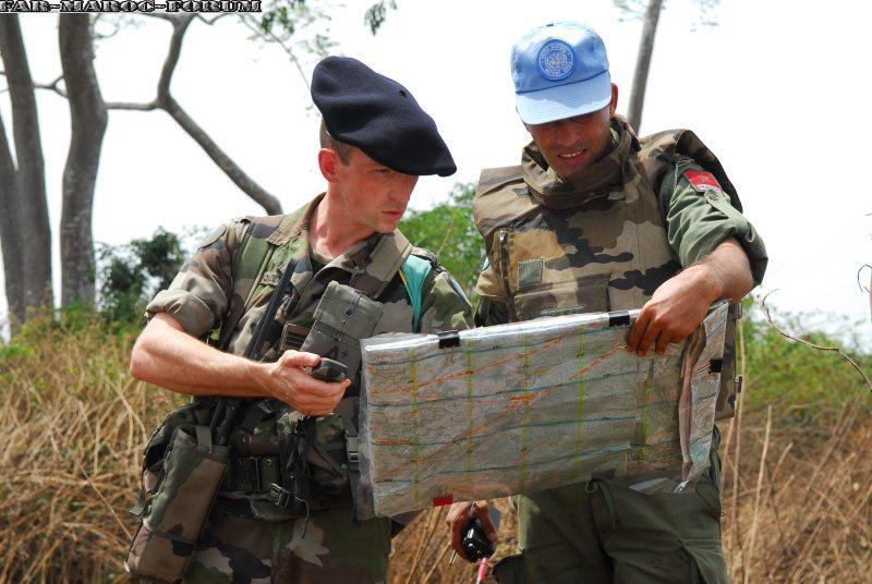 Les F.A.R et le maintien de la paix au monde - Page 3 Les_co10