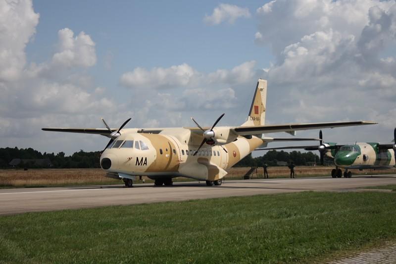 FRA: Photos d'avions de transport - Page 7 Volkel10