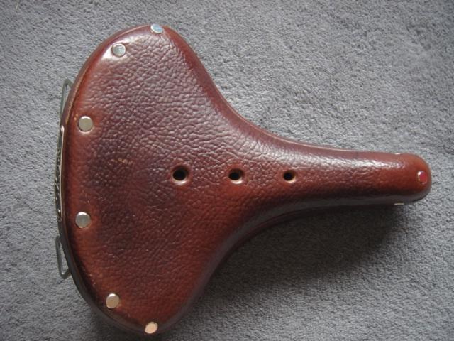 VENDUE- Je vends une selle Brooks B67 Dsc02610