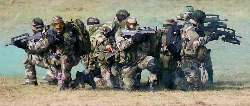 Commando Parachutiste de l'Air n° 30 - CPA 30 Cpa_re10