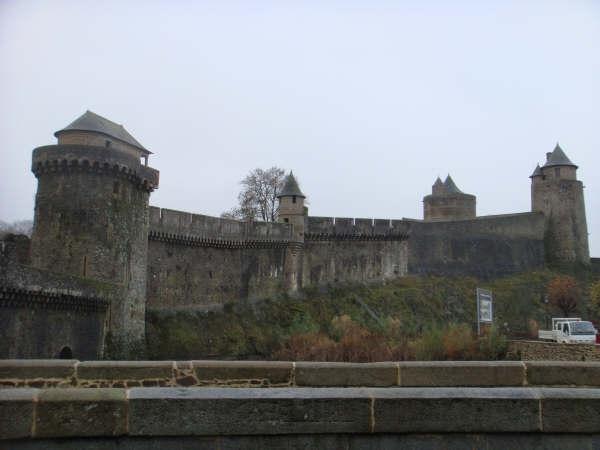 Le château de Fougères 1210