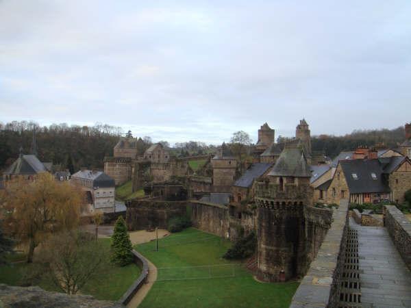 Le château de Fougères 210