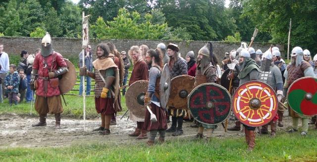 Journées Vikings archéosite de Marle - Mai 2009 P1090812