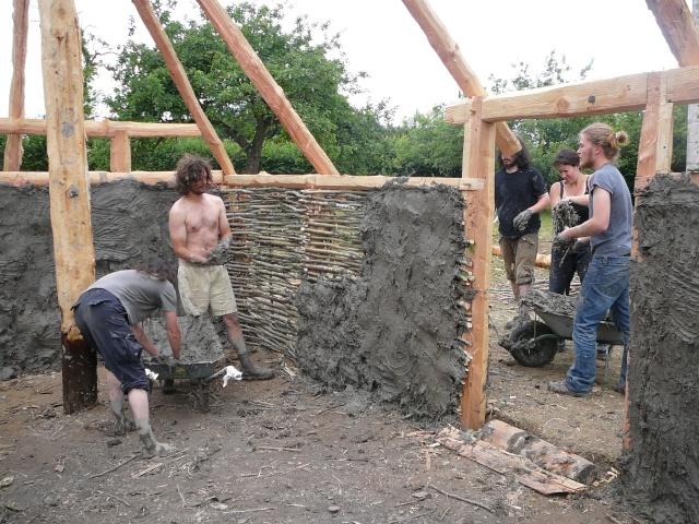 Expérimentation maison an mil - Juillet 2009 P1100815