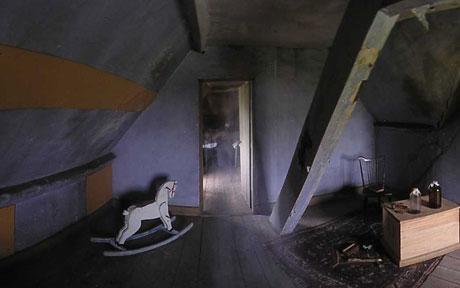 Reportero de la BBC fotografía fantasma en Museo. Con fotos Jenner11