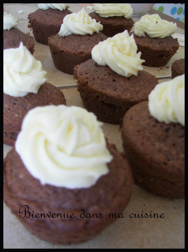 Cupcakes : recettes et décors simples - Page 2 Yannev10
