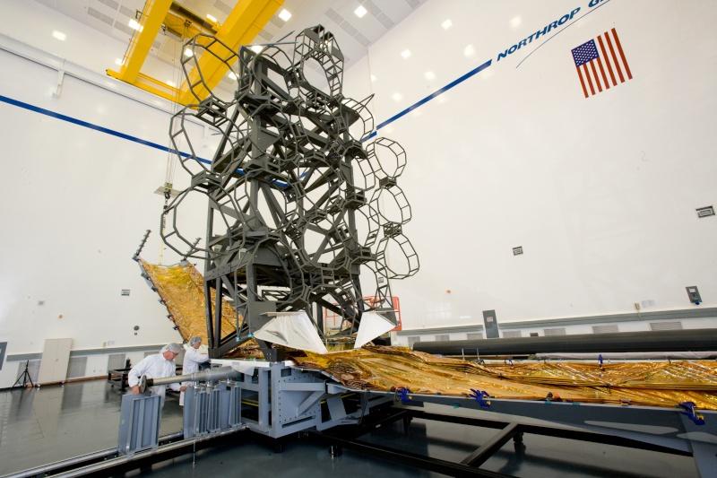 Mise au point du James Webb Telescope 38819710