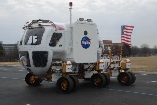 NASA : mobilité lunaire, rovers pressurisés et non pressurisés - Page 5 09011810