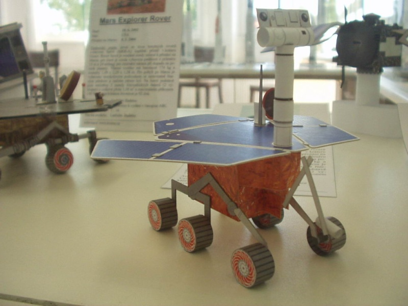 maquette Mars Exploration Rover ech 1/3 - Page 2 Modely21