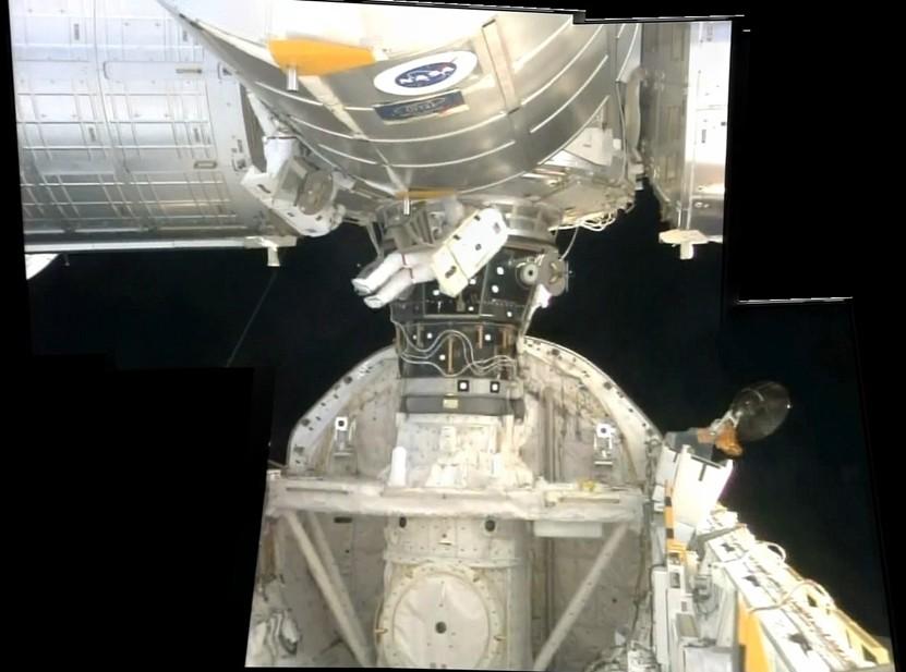 [STS-128] suivi EVA#2 (Olivas & Fuglesang) Sans_131