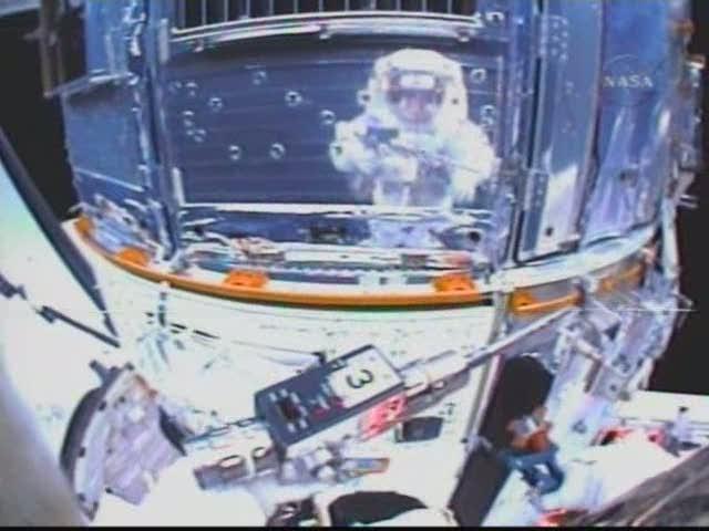 [STS-125] EVA - 5 Sts12510