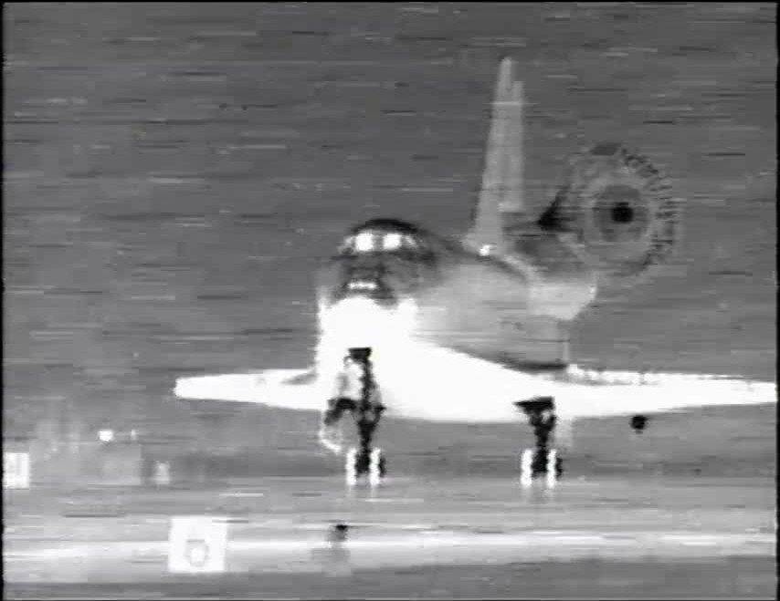 [STS-119] Discovery : retour sur Terre (19h14 GMT / 20h14 Paris) - Page 7 Vlcsna46