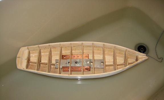 Bateau de Bassin du Luco - Page 2 Premie10