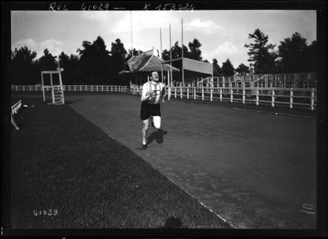 Le Collège d'Athlètes du Parc POMMERY à REIMS 8-7-1910