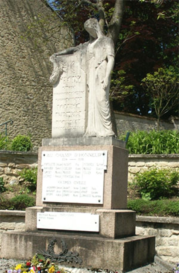 Les Monuments aux Morts Chenay11