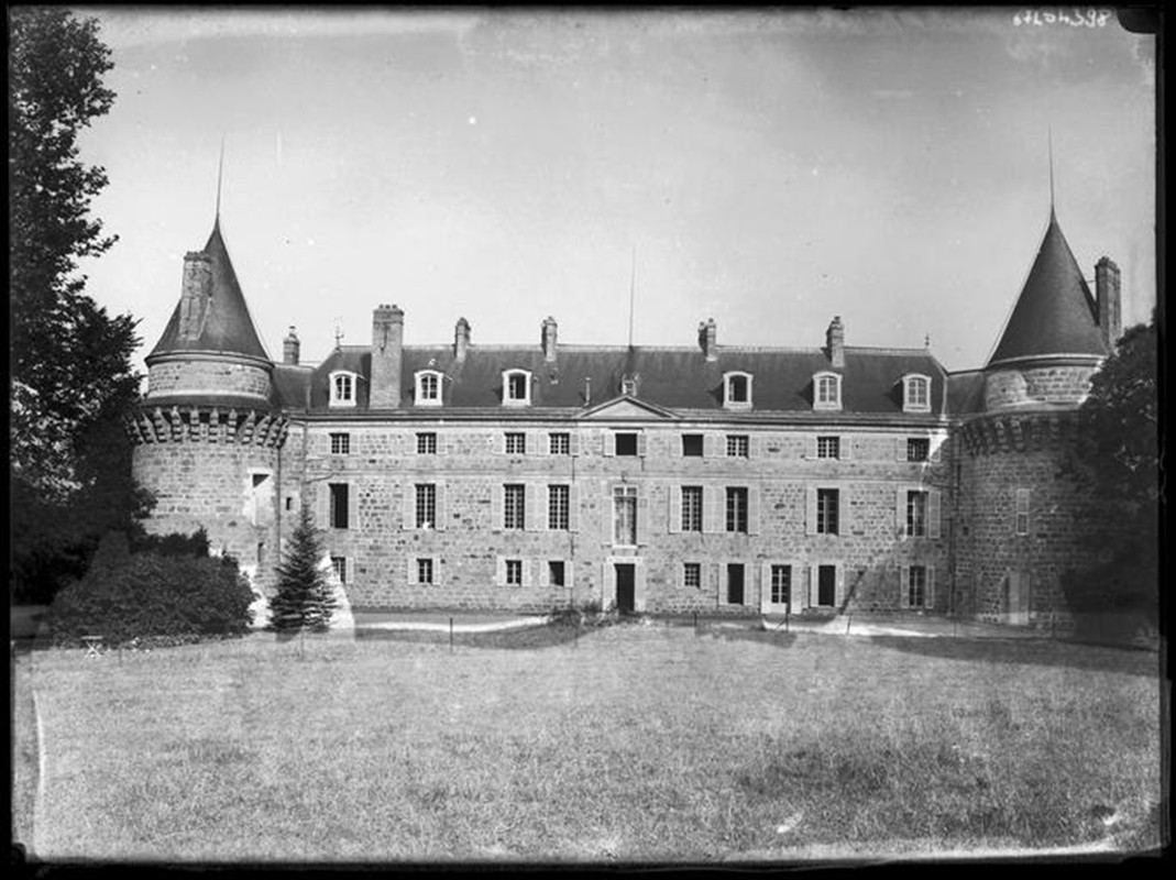 Les Châteaux Faaade10