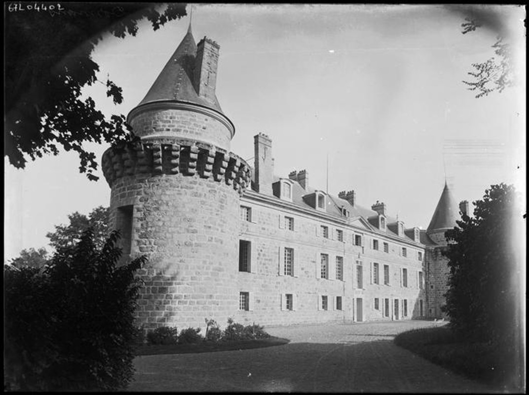 Les Châteaux Faaade11