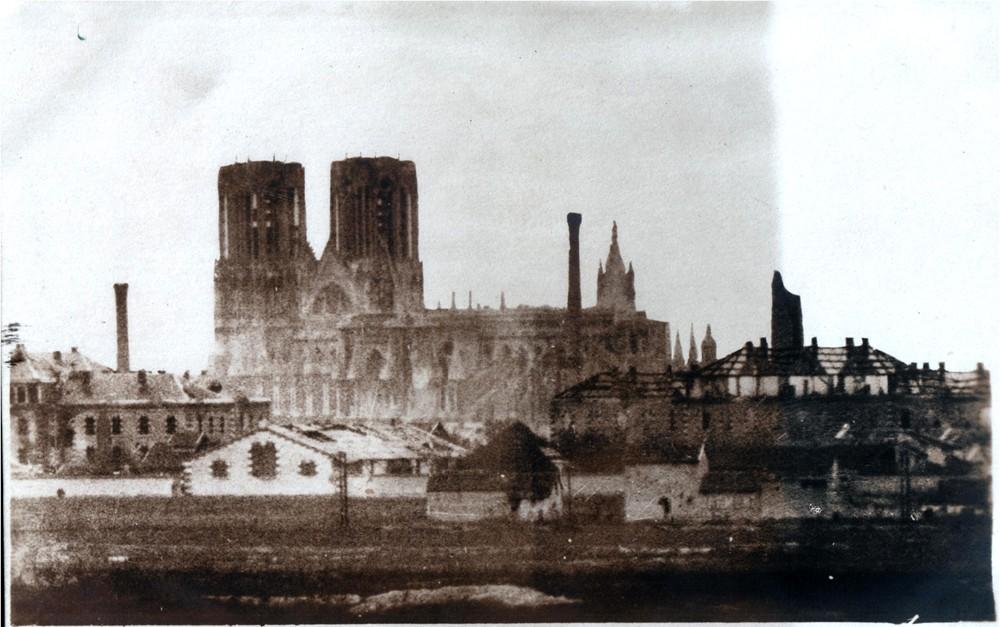 Le Bombardement de la Cathédrale Karl_g10