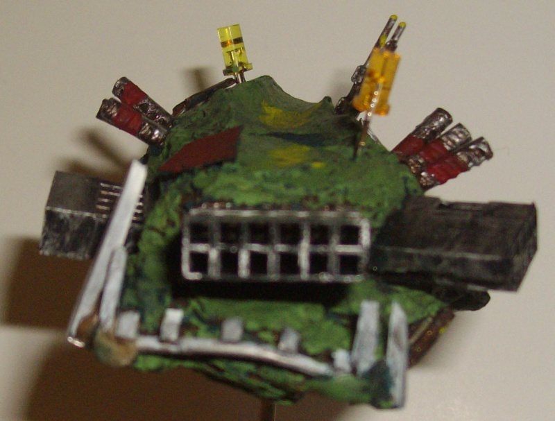 Vaisseaux Orks fait maison Kuir10