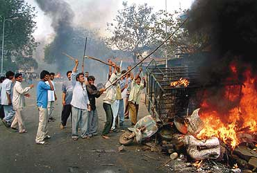 Pictures of Hindu fundamentalists in India 410