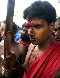 Pictures of Hindu fundamentalists in India Kerala10