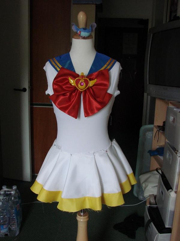 Costumes : (photos, accessoires, avancée, conseils techniques, perruques etc...) Dsc08811