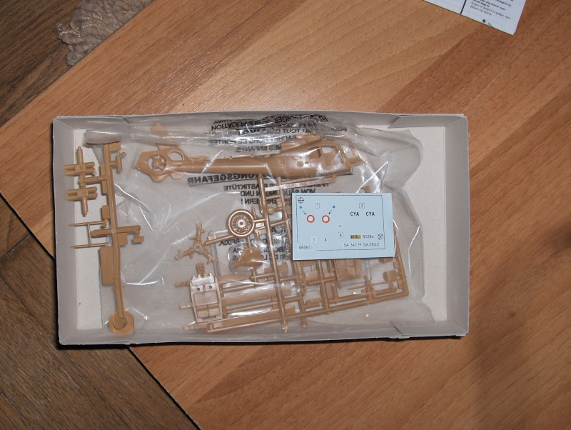 Gazelle SA 342M  1/72 HELLER Hpim0710