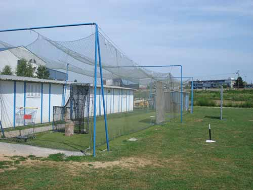 Terrain de Baseball en Croatie !! Cage_b11